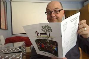 """Jetzt muss ich natürlich gründlich den """"Steward's Guide"""" der Organisation lesen."""