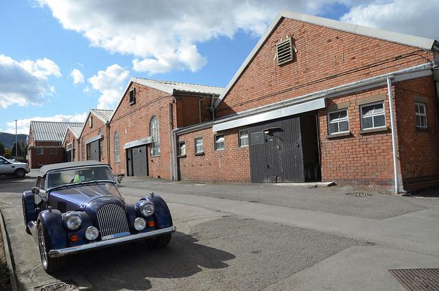 Im englischen Malvern Link ist die Morgan Motor Company seit 1913 ansässig.